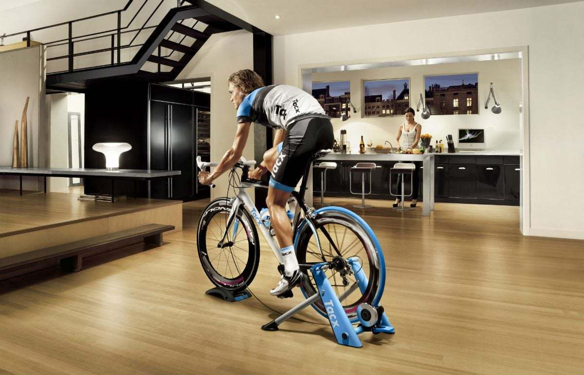 Dieta i odchudzanie. Ćwiczenia w domu: Jak trenować na rowerku stacjonarnym, żeby schudnąć?