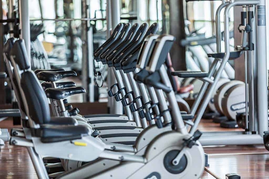 jak ćwiczyć na rowerze stacjonarnym żeby schudnąć | Mangosteen